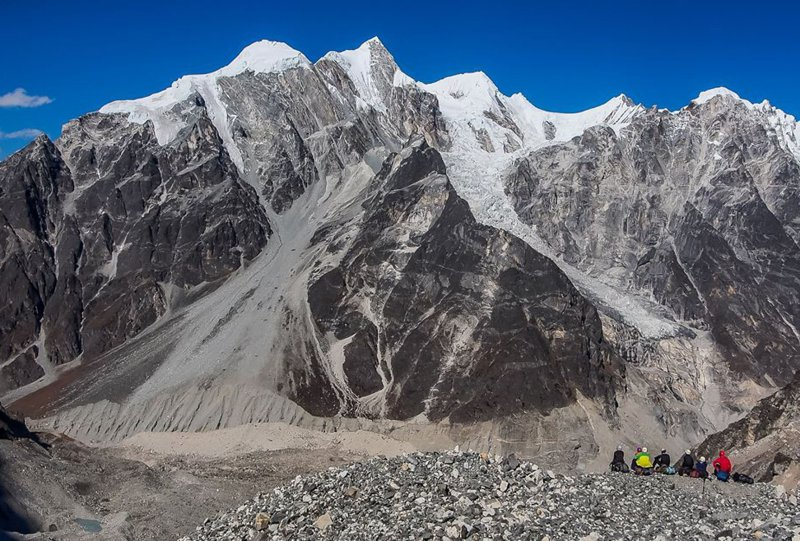 А. Дубок, інструктор: Вершини неможливо підкорити. Вони залишаються такими ж і там же, і живуть своїм життям.  А підкорюємо ми лише свої слабкості і себе