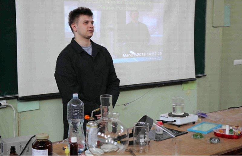 М. Іванченко з проектом  Адсорбент для нафти