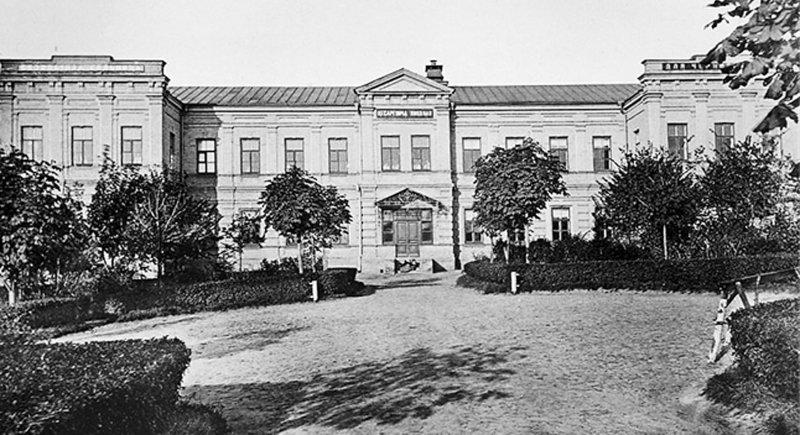 Безкоштовна лікарня цесаревича Миколи для чорноробів. Фото 1903 р.