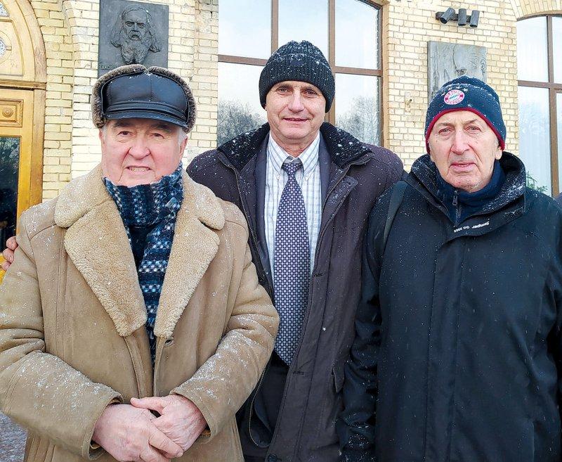 Зліва направо О.Букаєв, С.Бобровник і О.Липенко