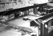 Фото 3. Макет транспортної платформи з 4-точковим електромагнітним підвісом (дослідна ділянка КПІ, 1977 р.)