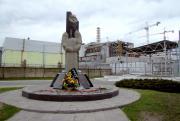Пам'ятники загиблим ліквідаторам аварії на ЧАЕС у м. Прип ять (фото І.О.Мікульонка)